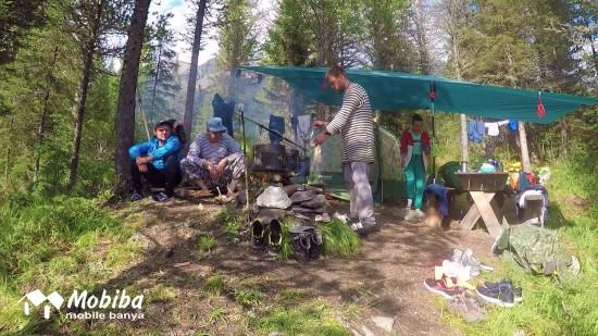 40. Экспедиция на Мультинские озера 2019 - готовим солянку.jpg